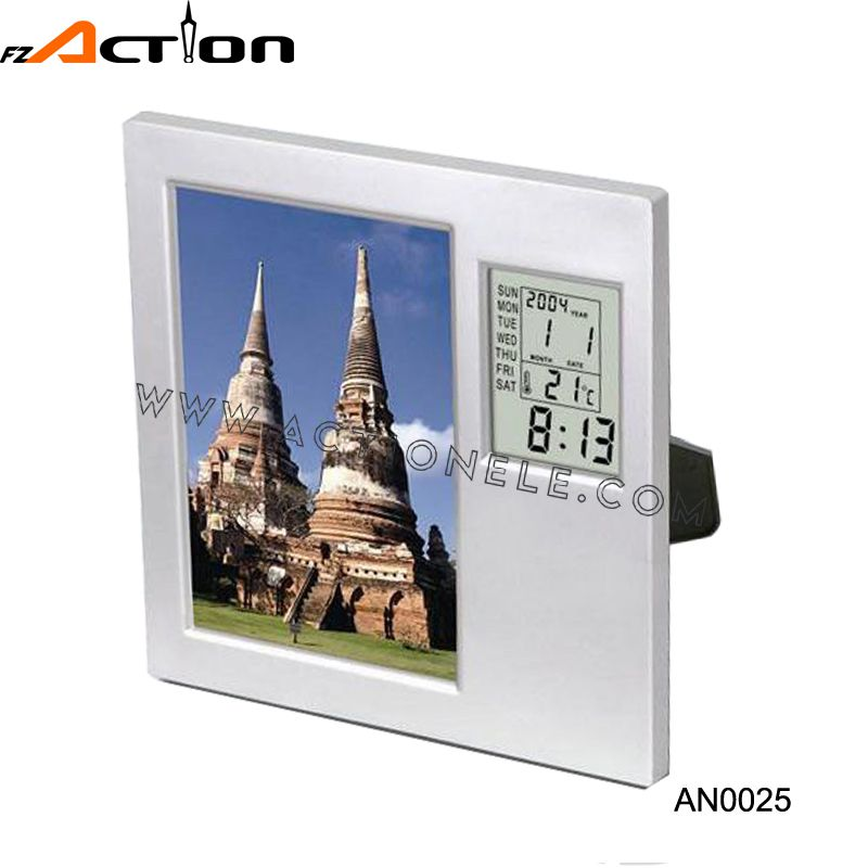 Large Photo Frame Digital Clock With Temperature